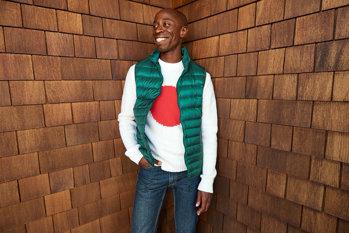 Holiday2016_Portraits_Guy_Sweater_2475.jpg