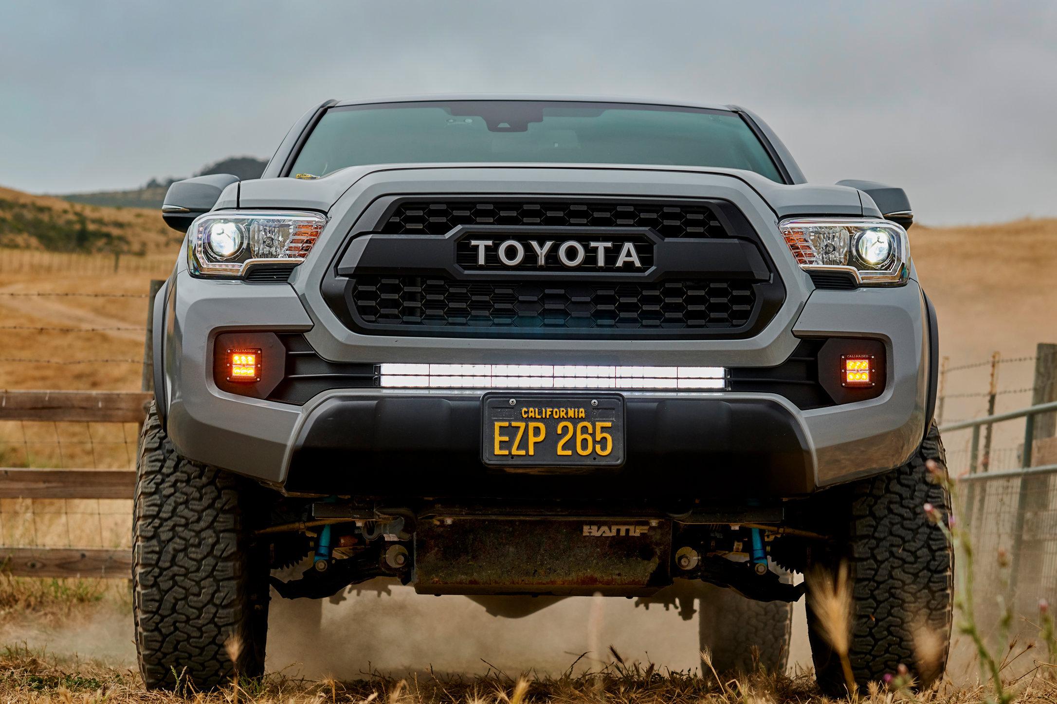 Motors_Toyota_Tacoma_Hero_0927.jpg