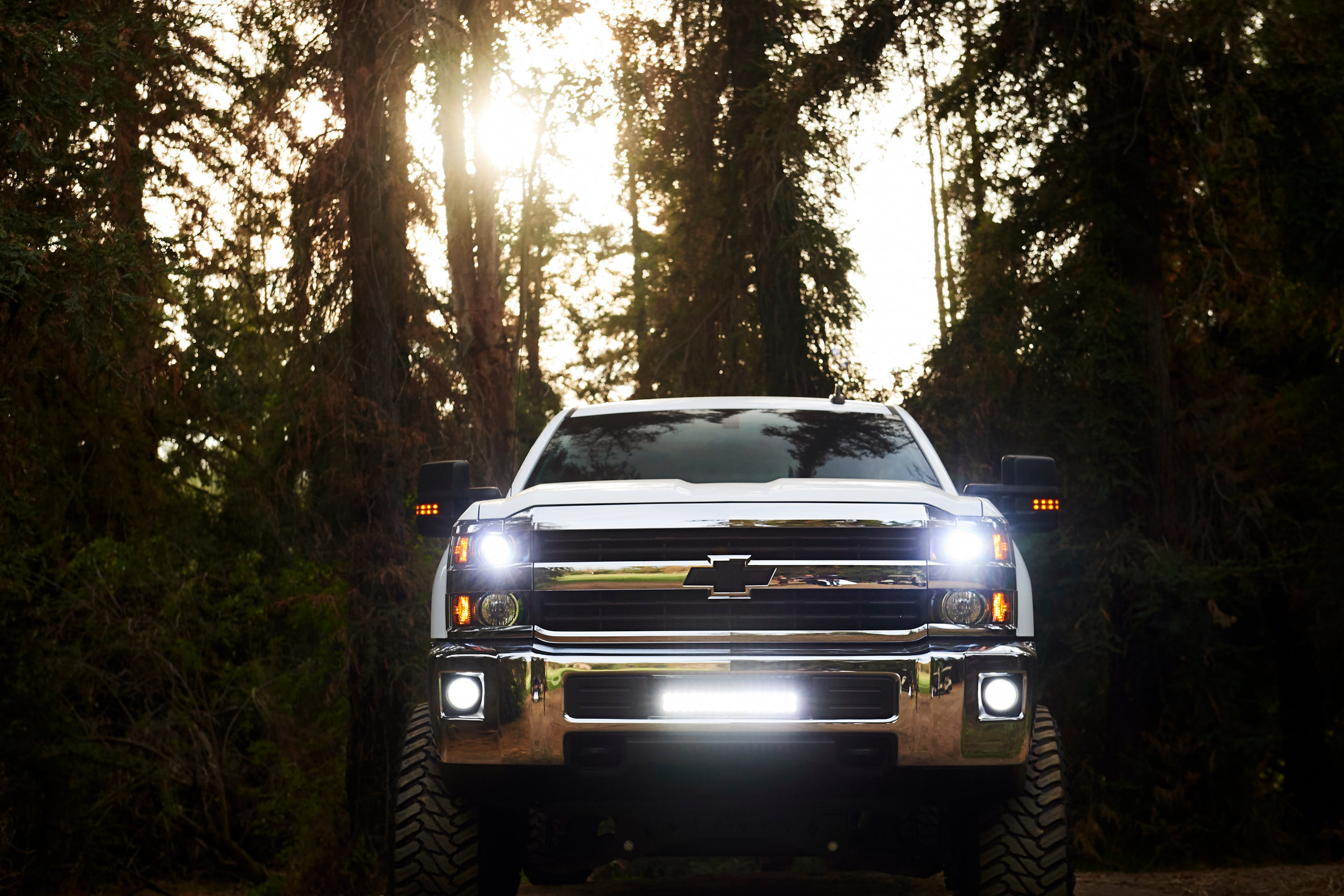 Motors_Make_Model_Chevy_Silverado_Hero-1733.jpg