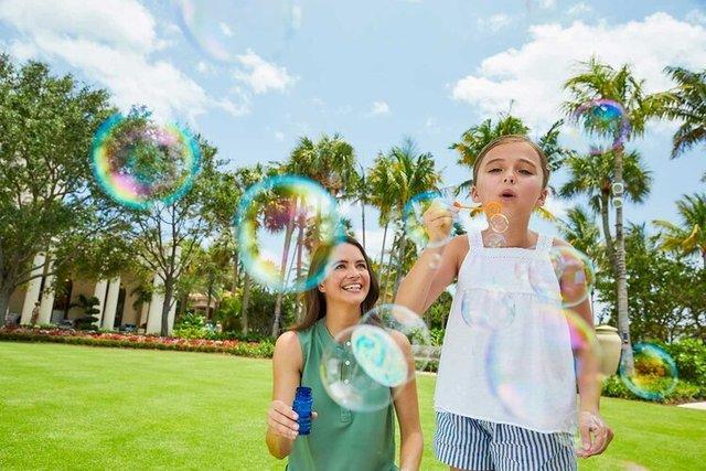 Lawn---Bubbles_1141.jpg