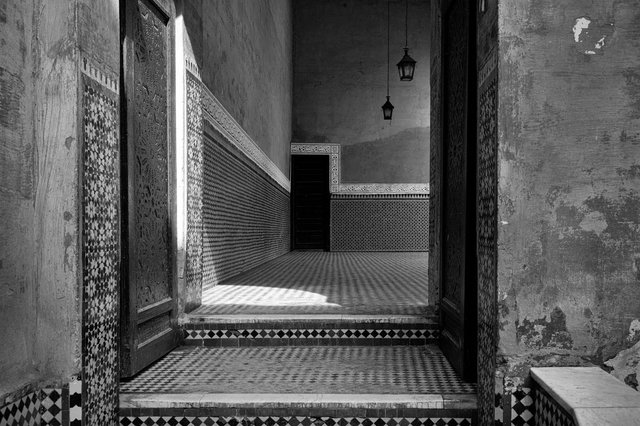 Moroccan Shadows #10_untitiled#10_mer.jpg