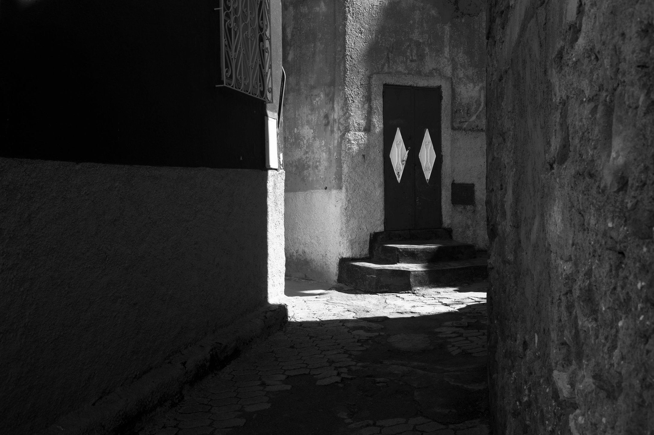 Moroccan Shadows #11_untitiled#11_mer.jpg
