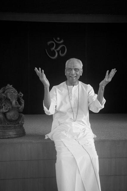 0002_Swami 0931-2.jpg