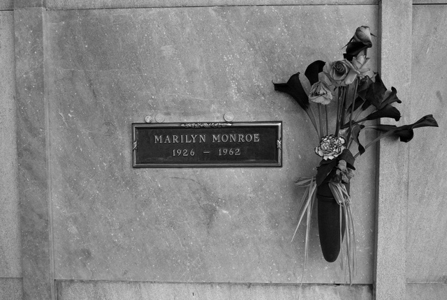 Marilyn 1962, Westwood Cemetery LA