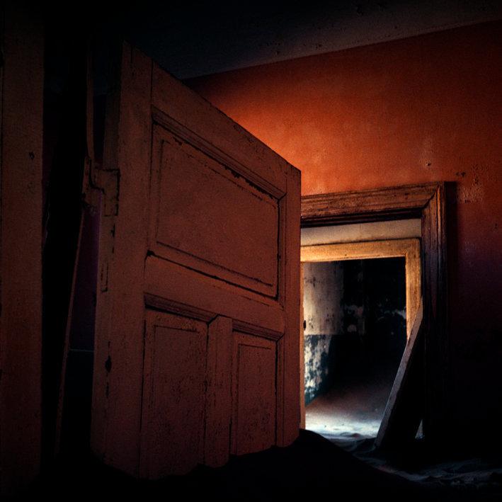Kolmanskop 015-1 een laag geretoucheerdals slim object1.jpg