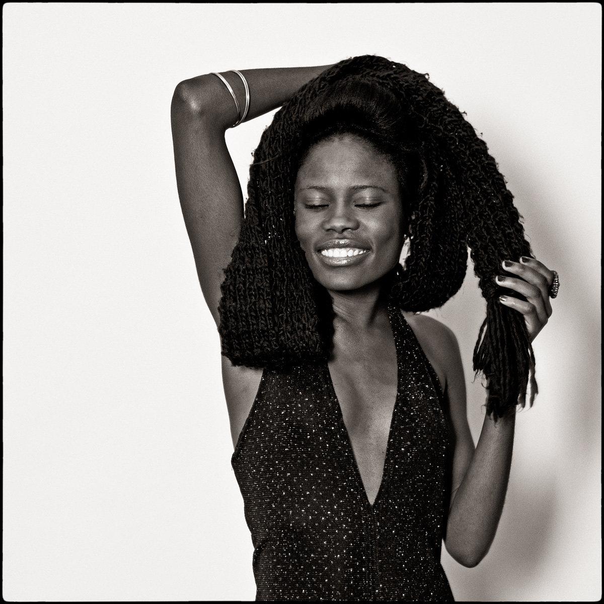 Ester Shatipamba: Tänzerin, Miss Supranational