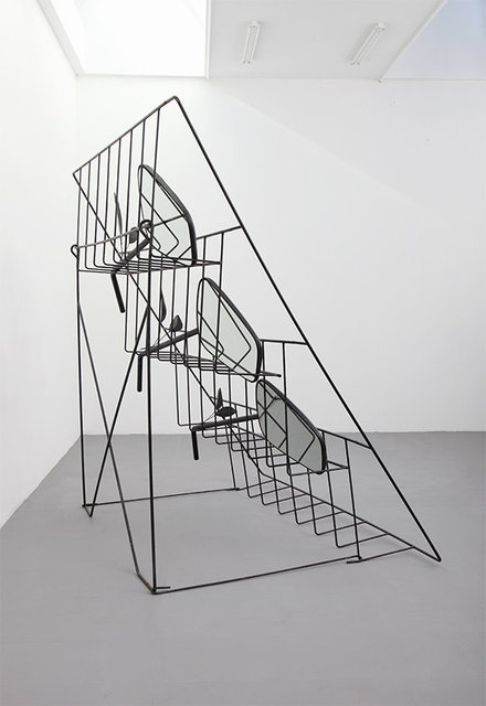 Retrovision Club, 2021. Iron, polyester, mirrors, enamel paint. 270 x 274 x 180 cm.