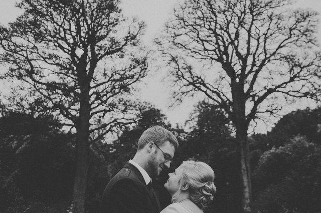 kirknewton_stables_alternative_wedding_photographer