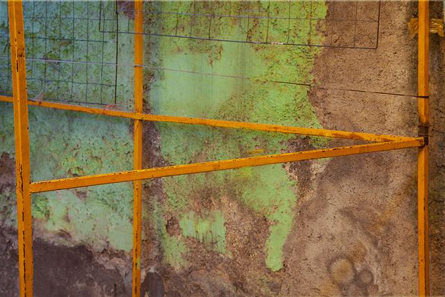 Orange bars, triangle