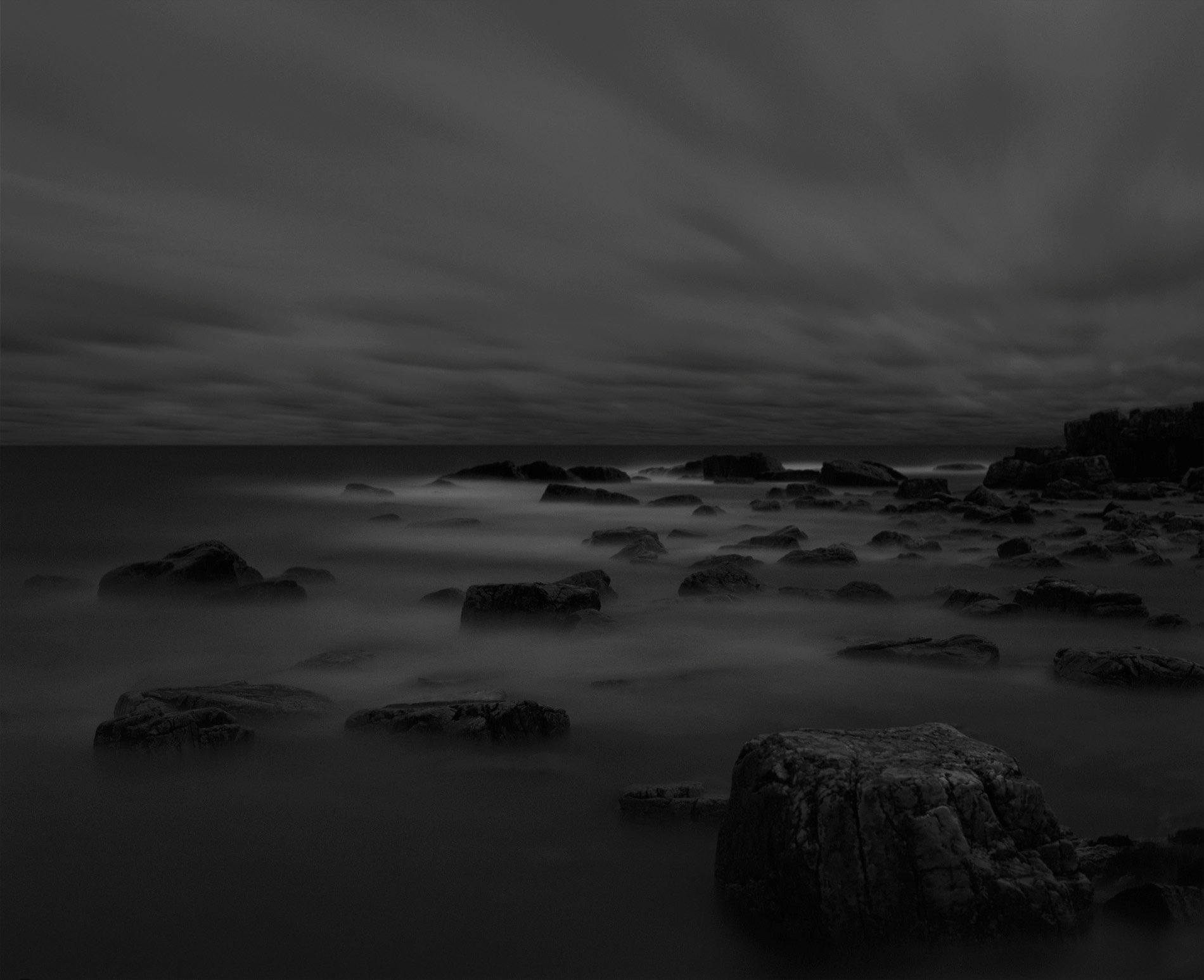 Black rocks & water 02