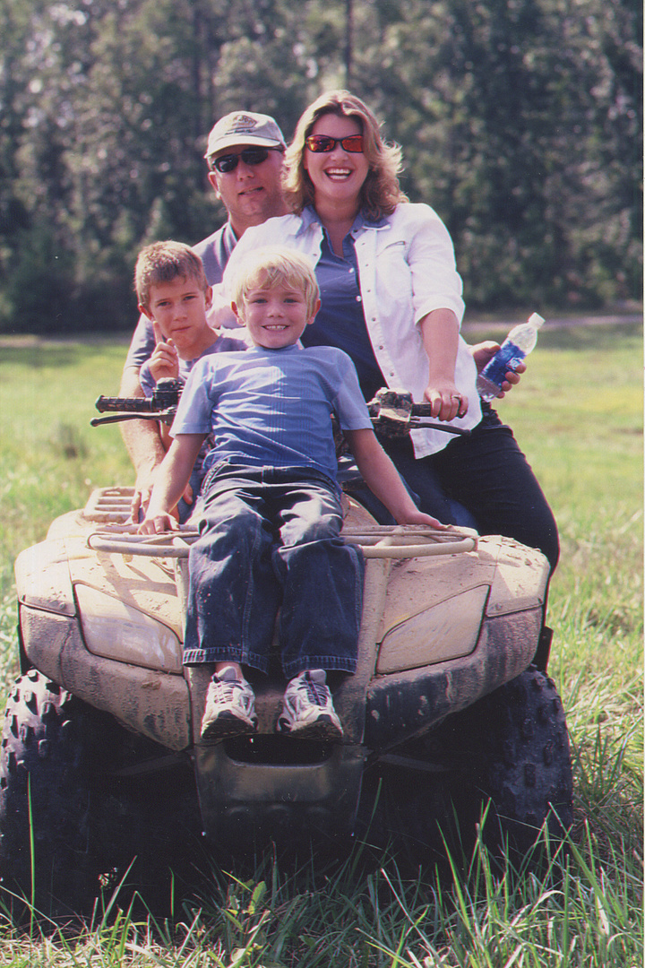 THE METCALF FAMILY- EDDIE, APRIL, JARED, CHASE