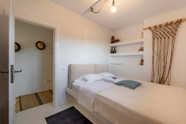 bedroom B_lower level.jpg