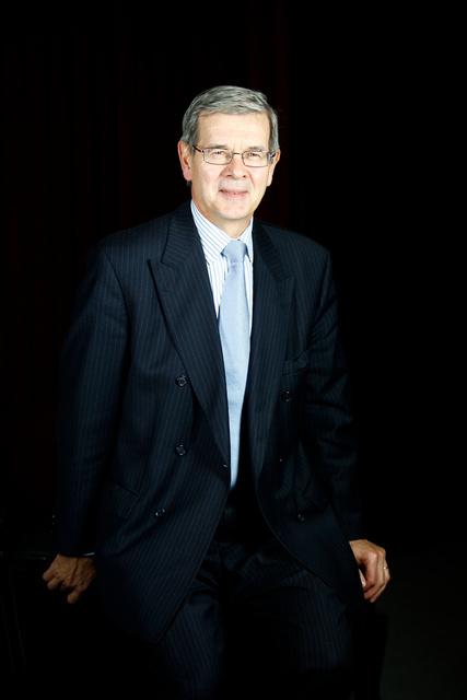 Philippe Varin, PDG de PSA, au siège de Peugeot PSA