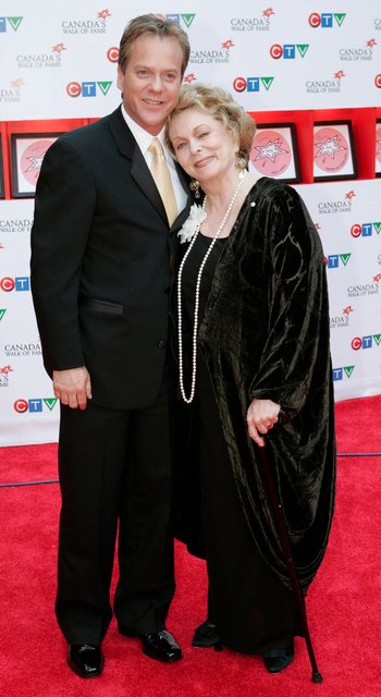 Keifer Sutherland with mother Shirley Douglas