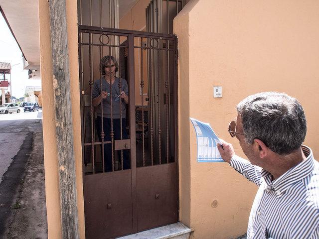 24.Volantinaggio per le liste che appoggiano Renato Natale a sindaco