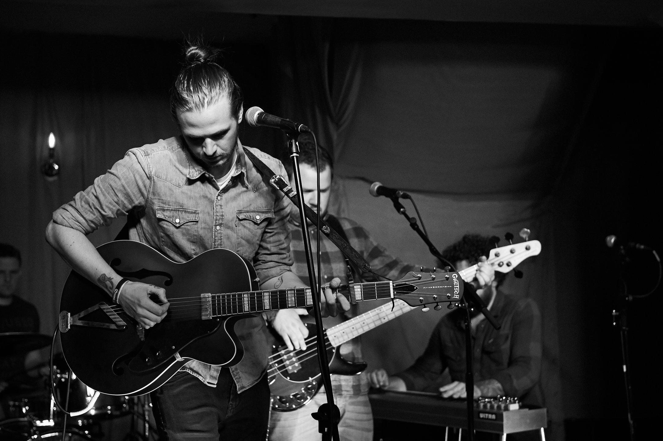 Robbie Cavanagh Band.
