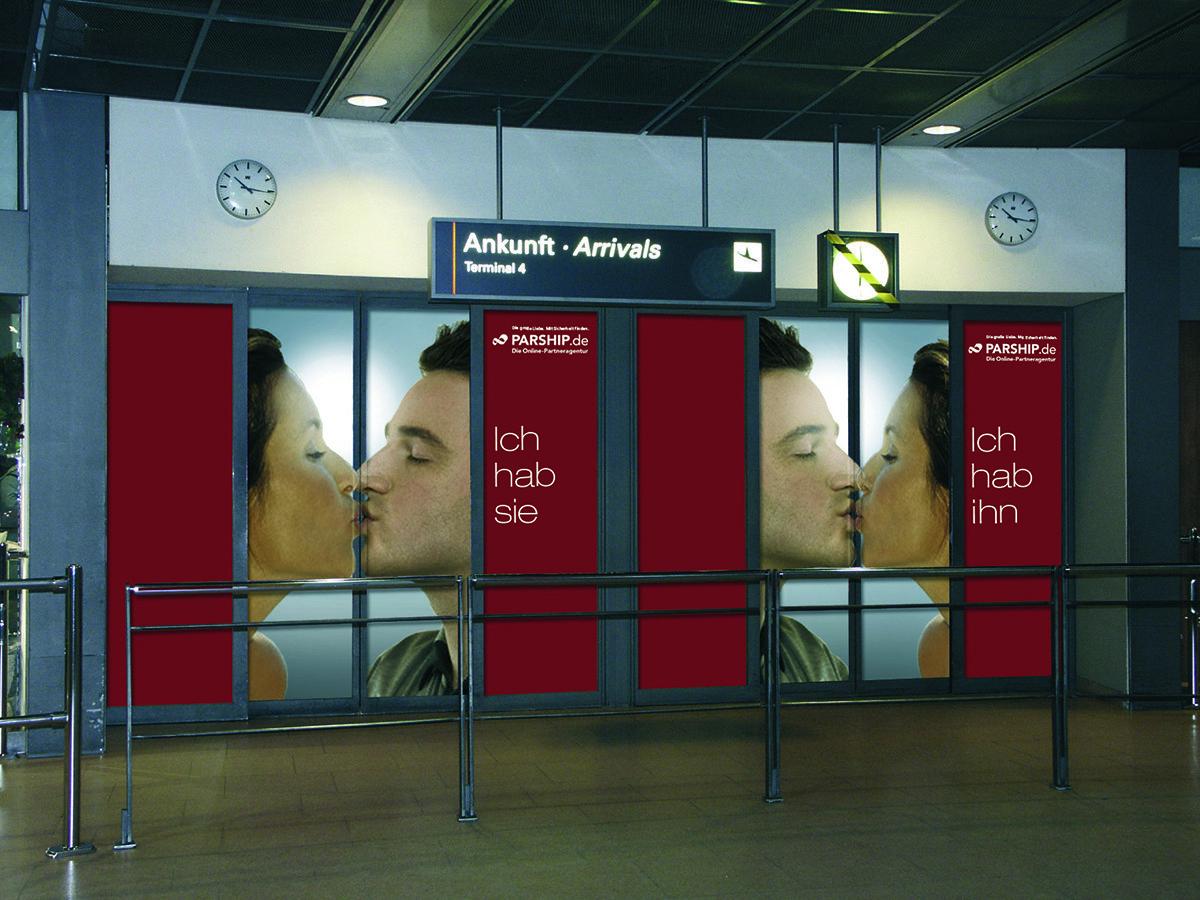 Flughafentür_zu.jpg