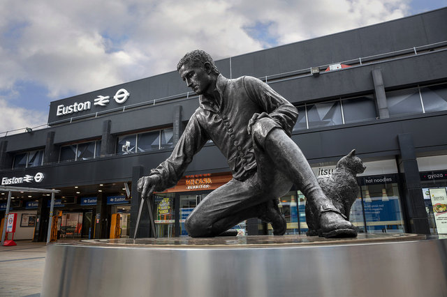 Matthew Flinders, Euston Station, London NW1
