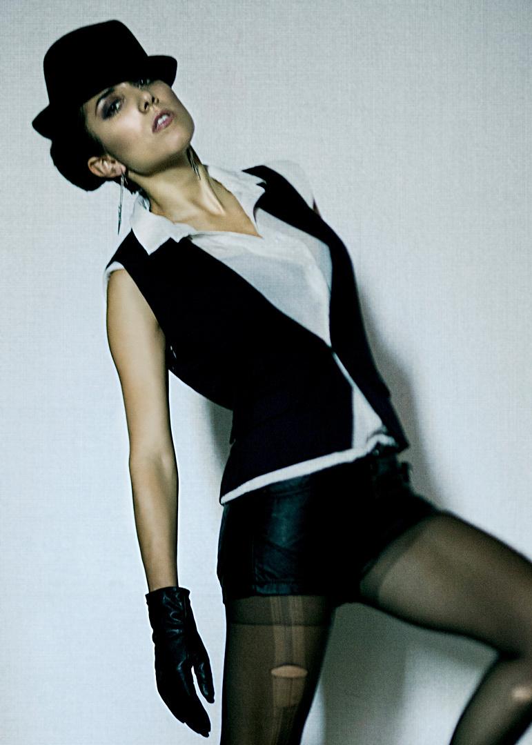 5x7-Bacani_FashionshootOct252011_04.jpg