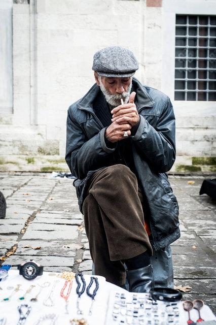 Peddler, Istanbul, Turkey 2014