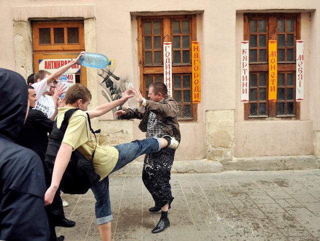 Yurko Dyachyshyn_(Wet Monday)_08_resize.JPG