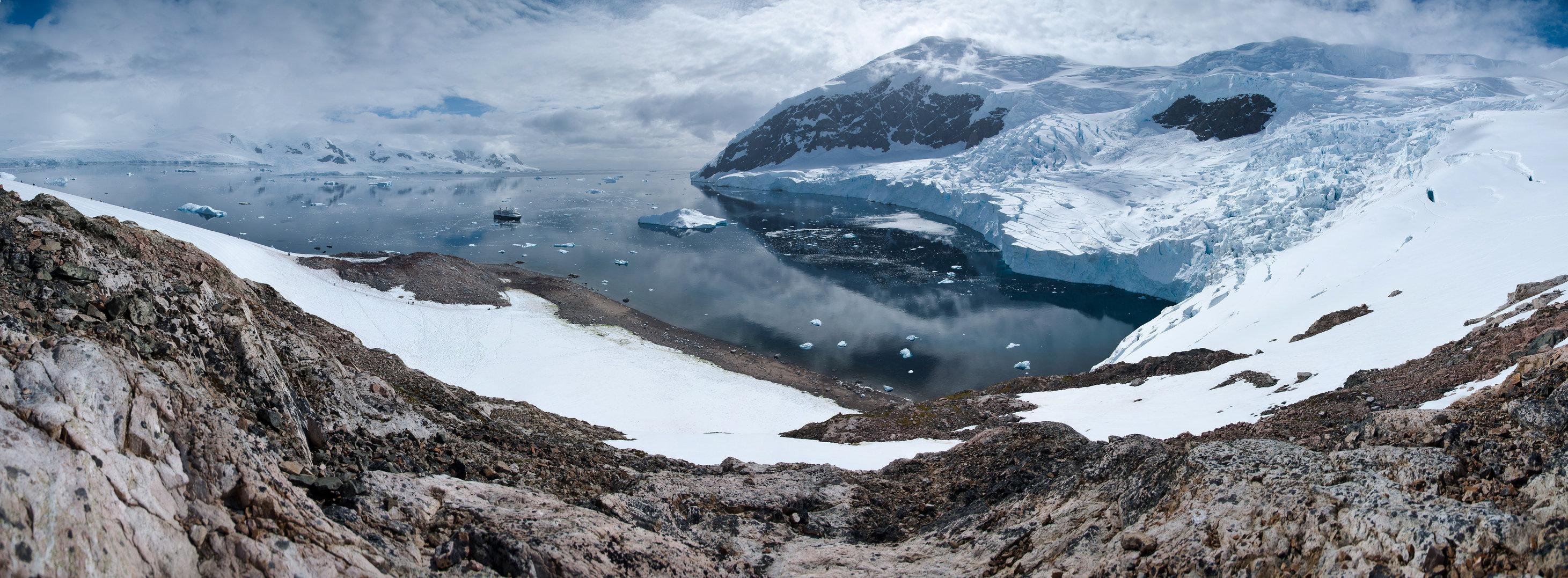 Panorama-Neko Harbour, Antarctica.jpg