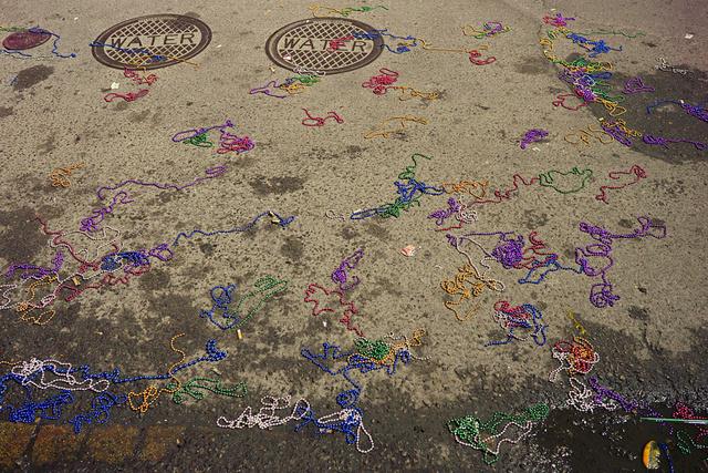 New_Orleans_beads.jpg