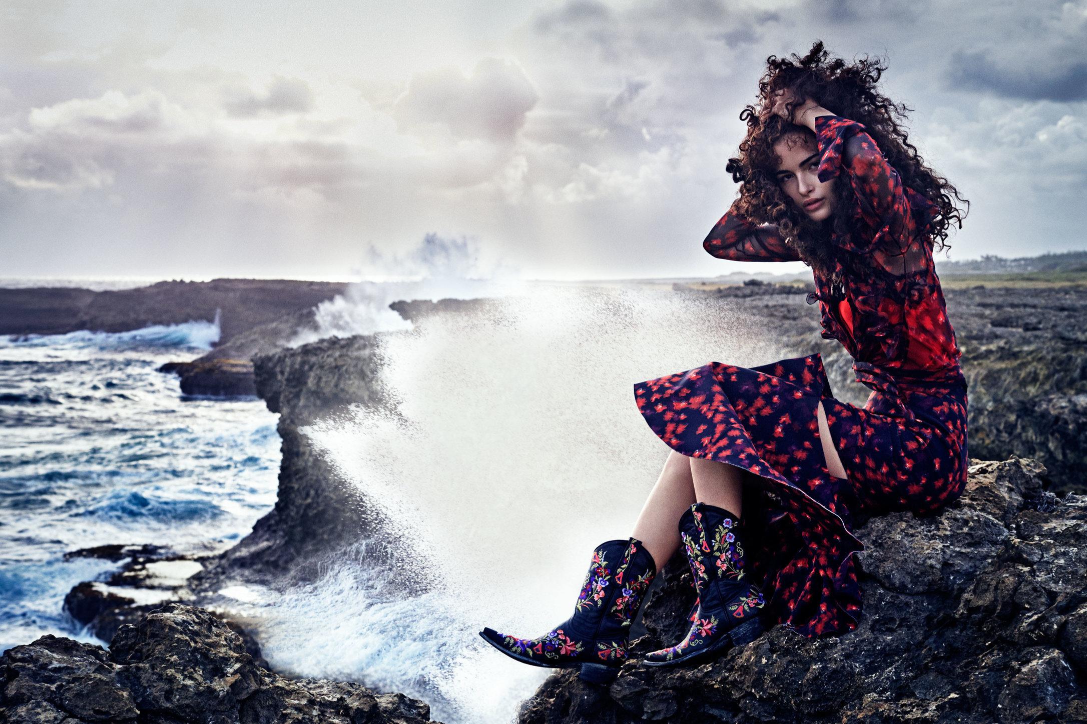 Vogue Japan. Chiara Scelsi. August, 2016.