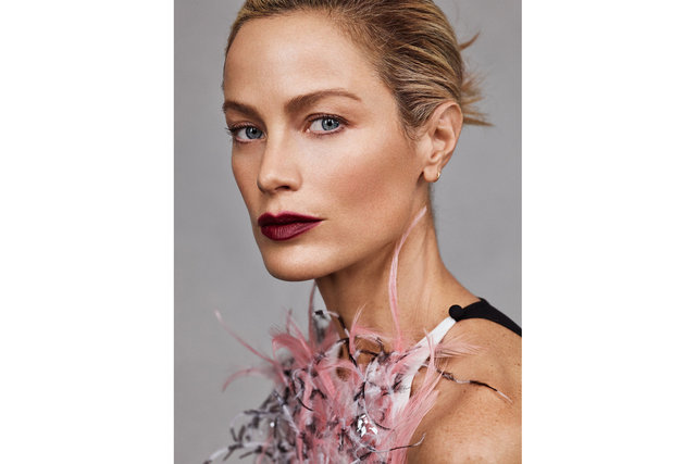ELLE Spain. Carolyn Murphy. April, 2019.
