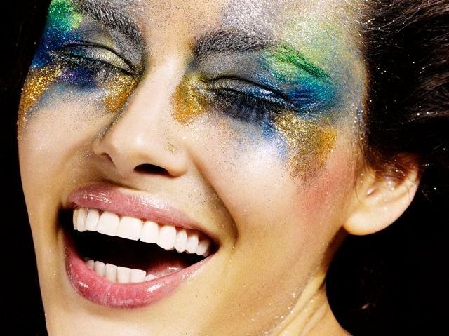 Indira-Cesarine-metalic-smile.jpg