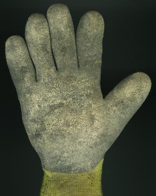 7_Glove_010 V1_FF.jpg