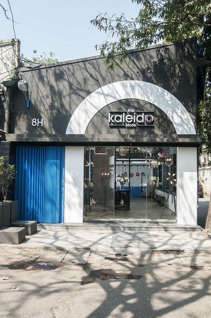 Kaleido Store, (de)CoDe Architecture, Mumbai