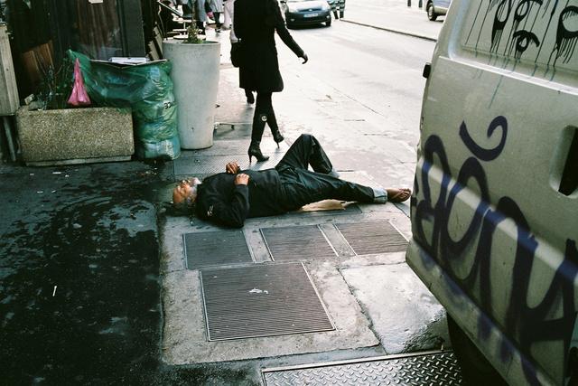 petite sieste, Paris.jpg