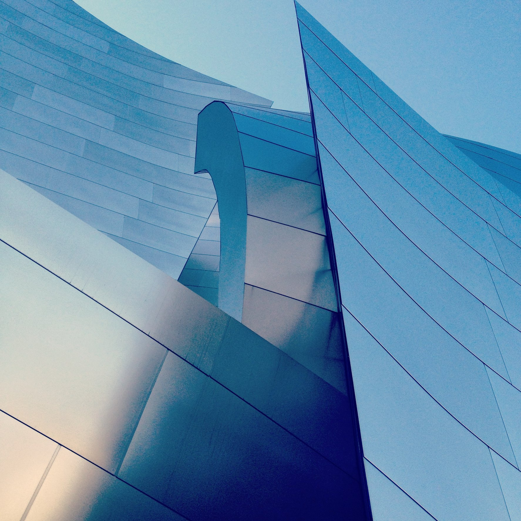WALT DISNEY CONCERT HALL - BLUE 19