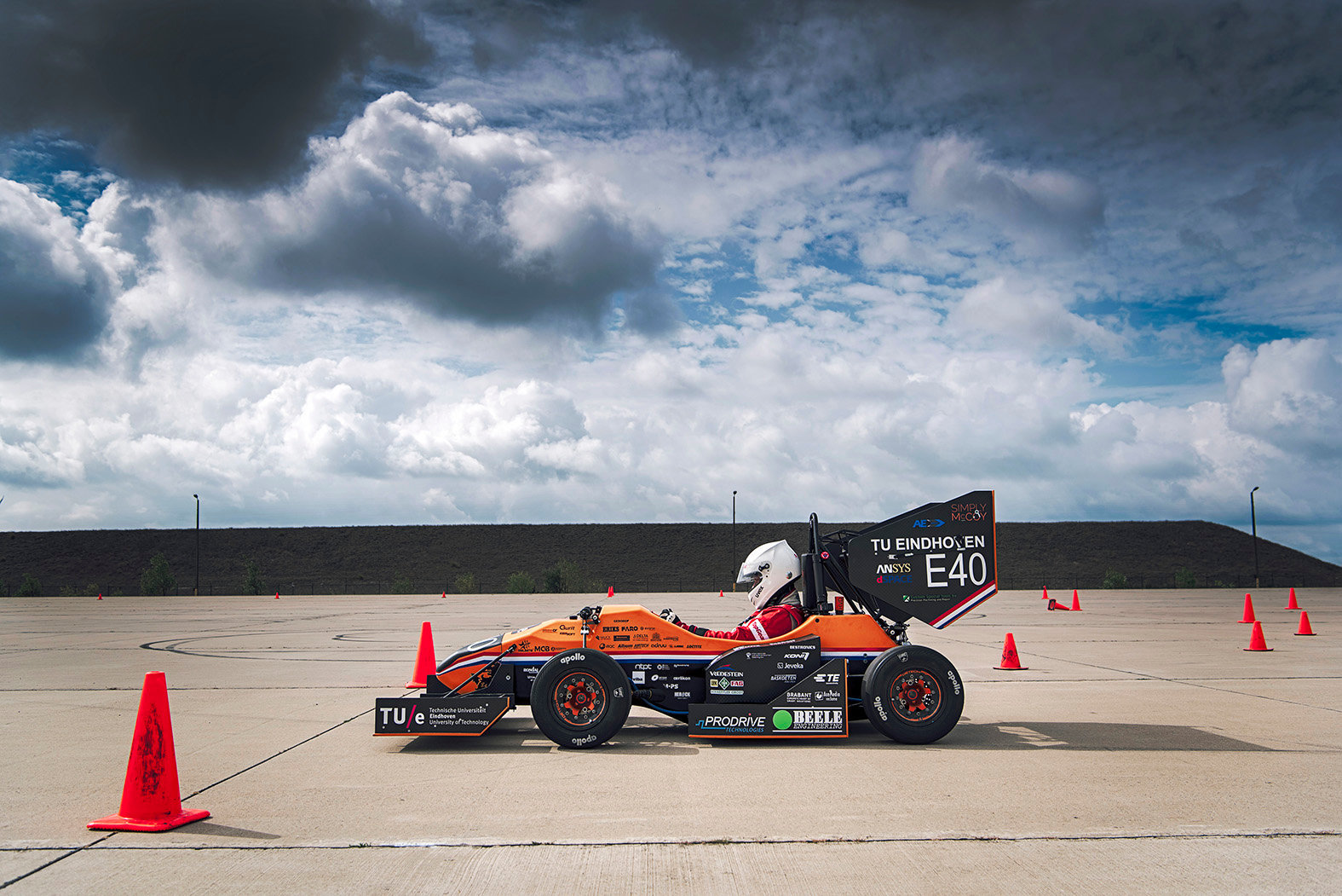 URE12 - Electric Racecar by the TU Students