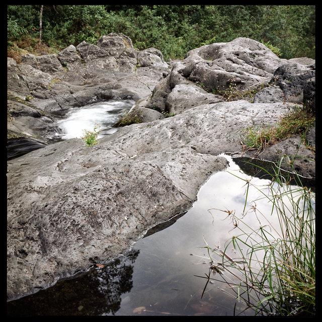 eau_rocher.jpg