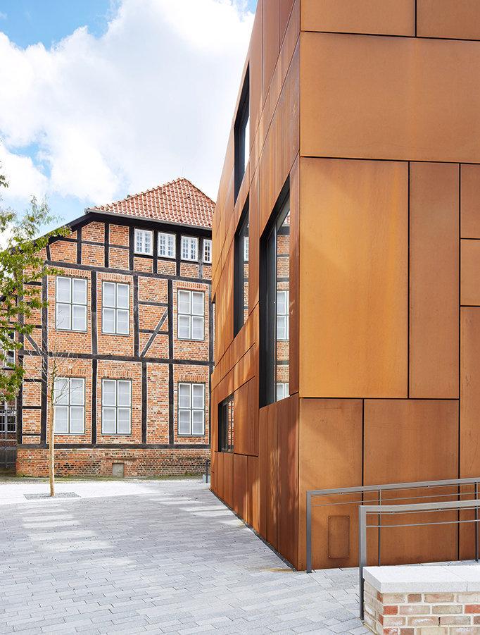 STEEL HOUSE KIEL for Böge Lindner BLK2 Architects