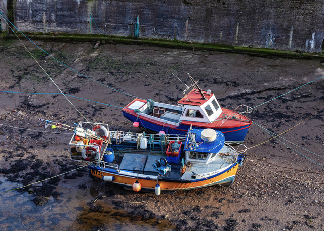 Boats besides Staithes Beck