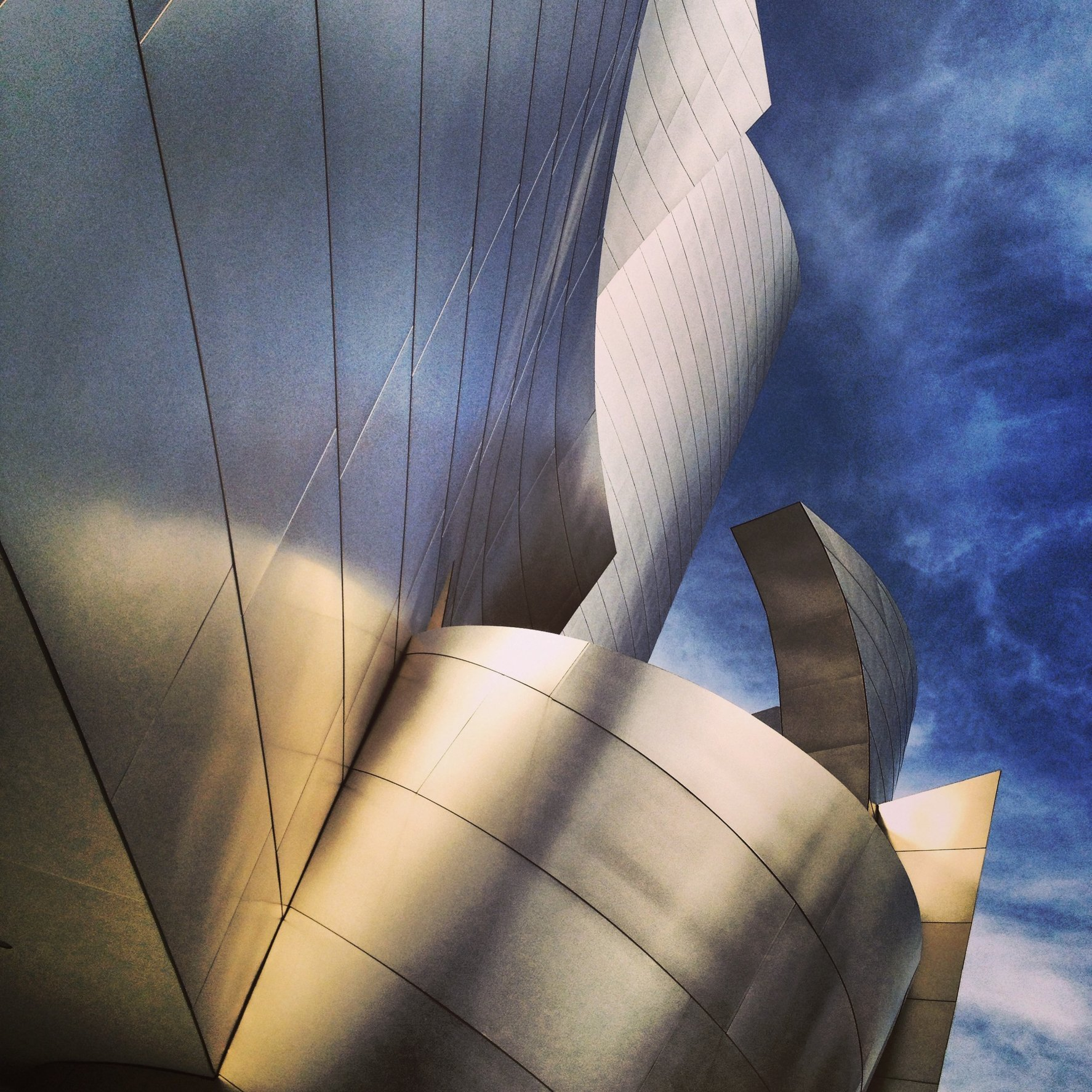 WALT DISNEY CONCERT HALL - GOLD 5