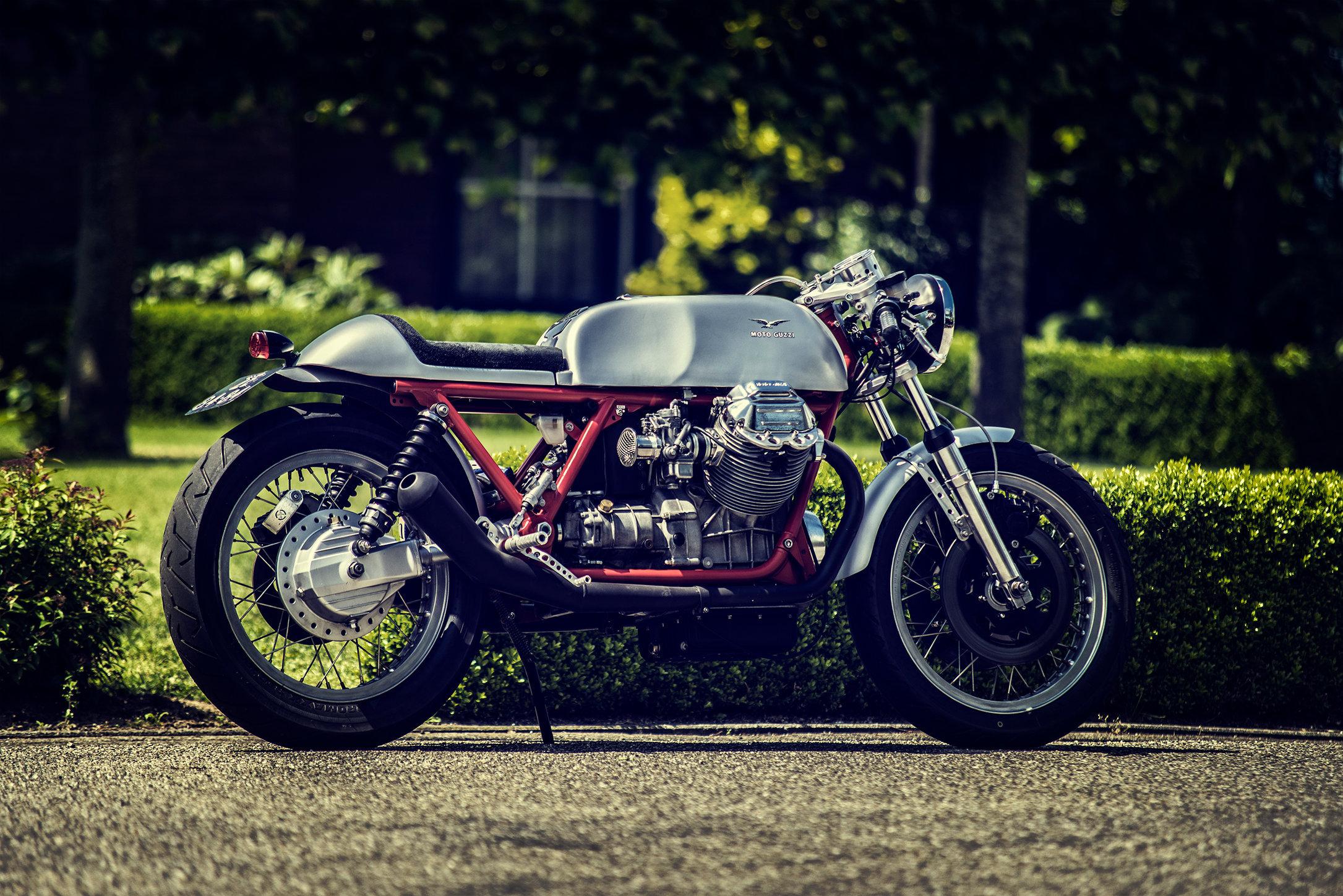 Moto Guzzi Le Mans | Size 60x40cm aluminium