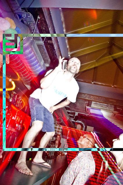 HAPPYSHOPPER-JacobLove-2011-2047.jpg
