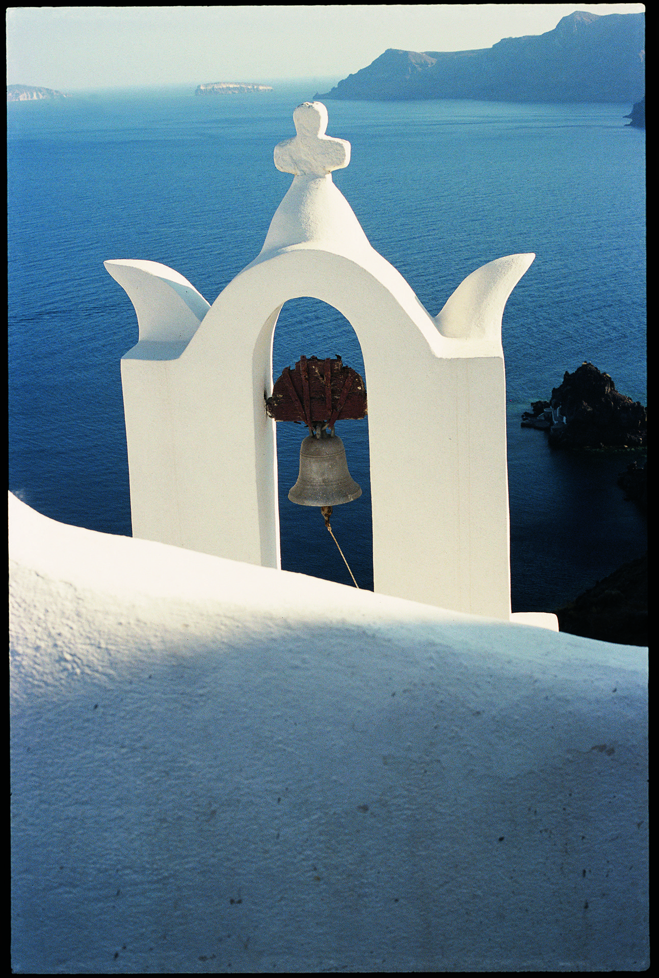 The Bell Tolls, Oia