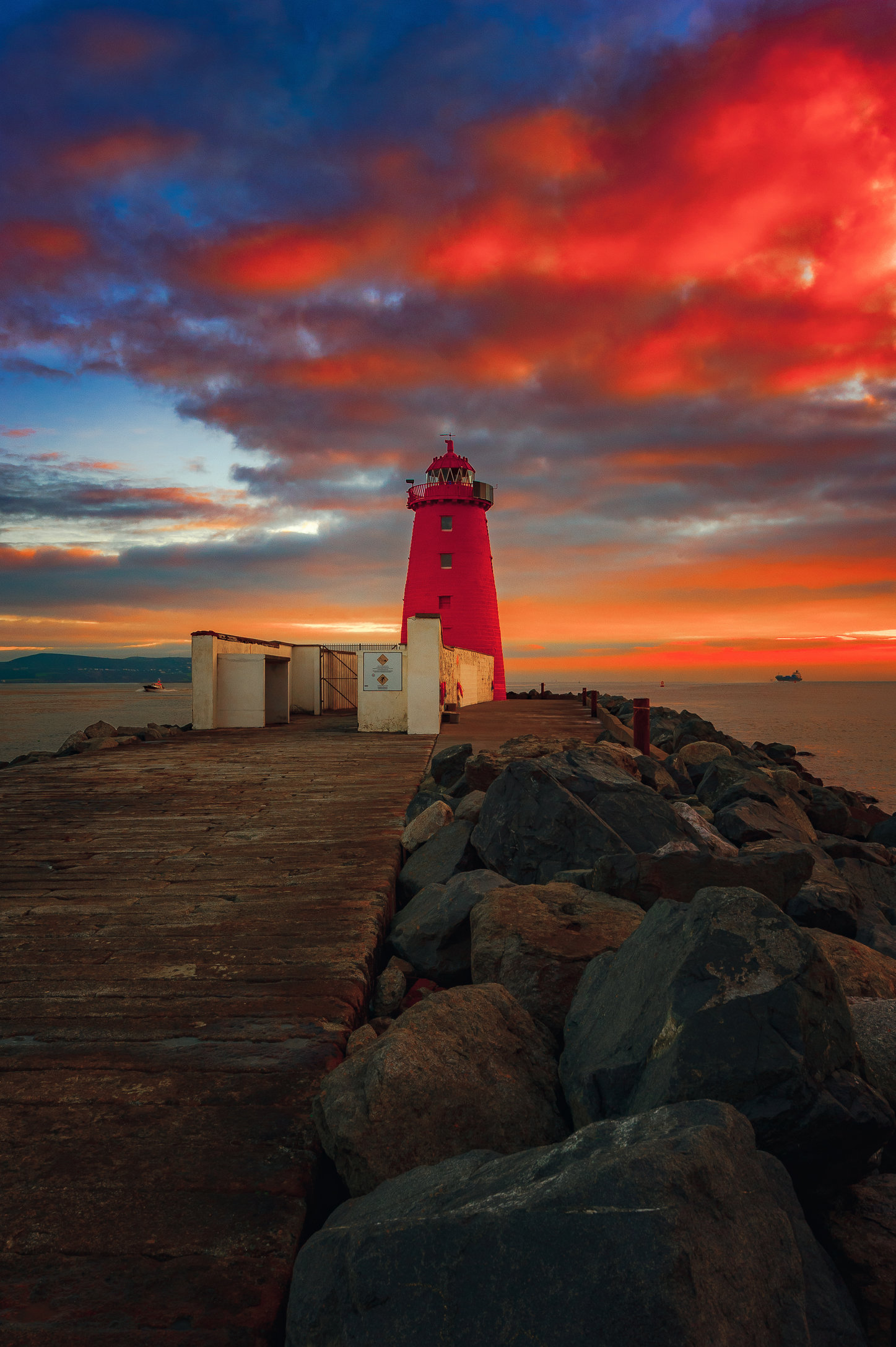 Poolbeg Lighthouse-MASTER COPY.jpg