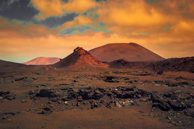 Mars Landscape-MASTER COPY.jpg