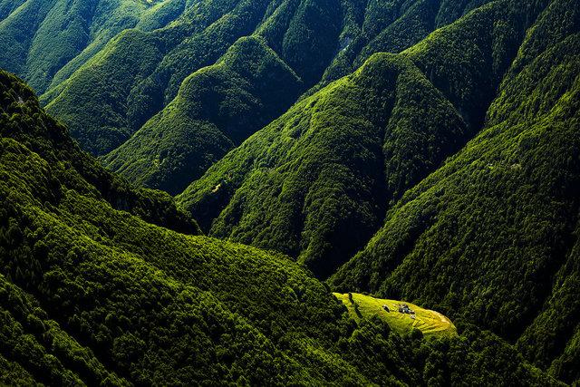 AMeniconzi_Switzerland_Ticino_Prou_ValOnsernone_4550tk_ok-copy.jpg
