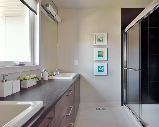 HN Homes Brighton ensuite 001.jpg
