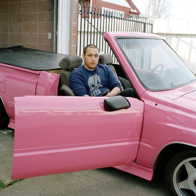 Man_Pink_Car_2011_03_2.jpg