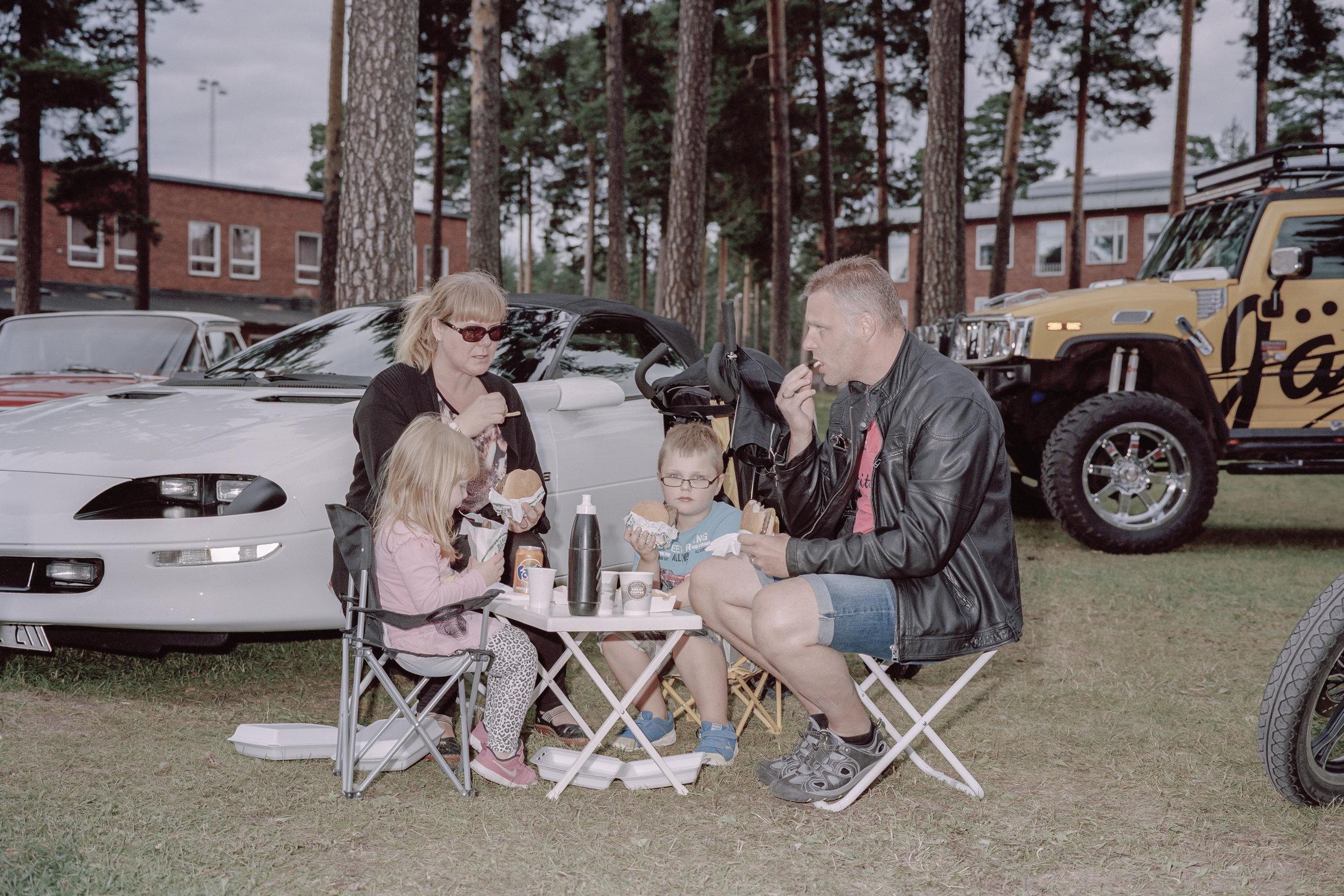 PascalVossen_FamilyGatherings-14.jpg