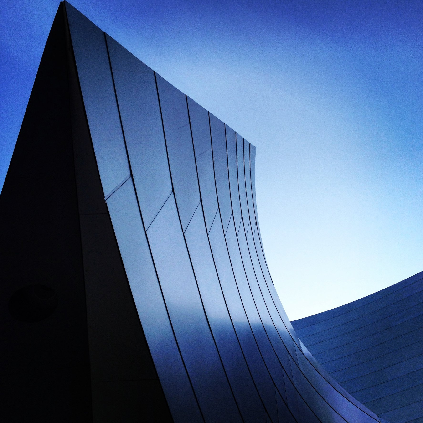WALT DISNEY CONCERT HALL - BLUE 21