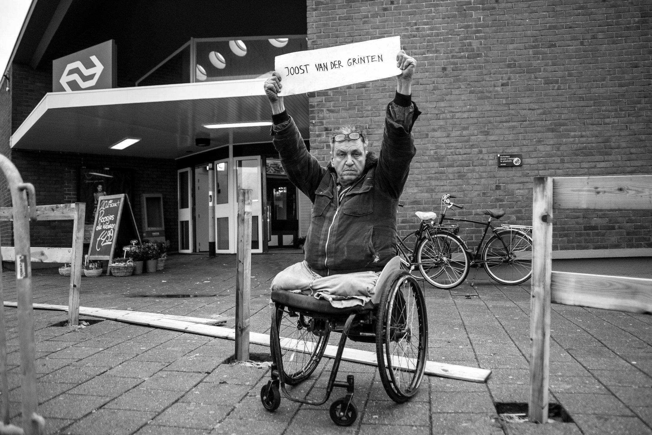 Rob Scholte protesting in Den Helder